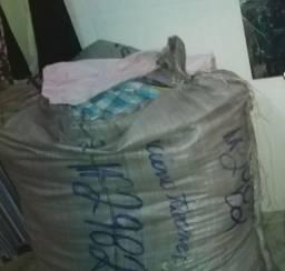 Vendo saco de roupas para doação