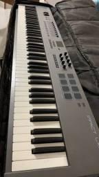 Vendo troco Controlador piano Nektar LX88+ semi-novo