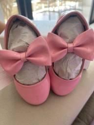 Sapato Verniz Laço Rosa