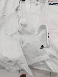 Kimono de judô Adidas Elite com selo eletrônico