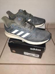 Tênis Adidas, número 42, original