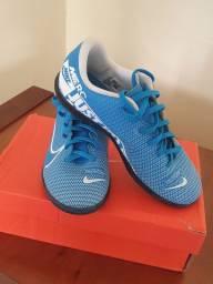 Chuteira Nike Mercurial na caixa