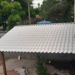 Telhados colonial e churrasqueira