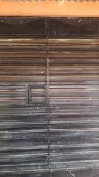 Vendo essa porta e esse portão 2m 20cm 600 reais