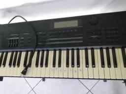 Teclado Roland xp 80