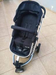 Carrinho de bebê com bebe conforto