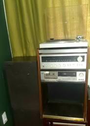 Aparelho de som antigo - rádio antigo