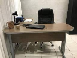 Mesa escritório + armário