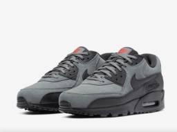 Tênis Nike Air Max 90 Essential Masculino<br><br>