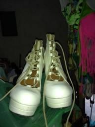 Sapatos em boas condições