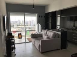 Apartamento com 1 dormitório e 1 vaga no Campo Belo