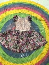 Vestido infantil florido de festa