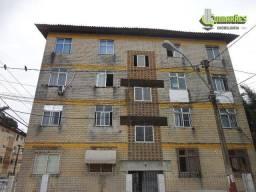 Apartamento com dois quartos. Parque Bela Vista, Salvador.