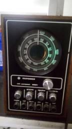 Rádio antigo Telefunken para restauração ou decoração