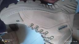 Título do anúncio: Bota totalmente original colada e costurada, temos vários tamanhos