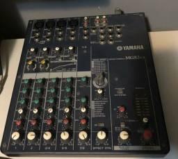 Mesa de Som Yamaha MG82cx 8 canais