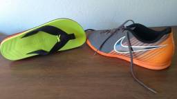 Chuteira Nike futsal magistaX e chinelo Kenner NK5 AMP masculino