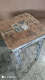 Mesa de madeira maciça 55x55