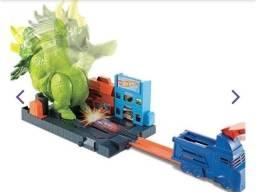 Hot Wheels Pista Ataque de Triceratops - Mattel