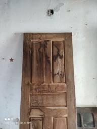 Porta de madeira 2,10 x 0,80