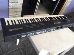 Teclado Roland JV-90 profissional