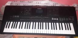 Vendo teclado yamaha psr-e453 novíssimo.