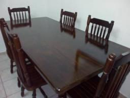 6 cadeiras e mesa de embuia pura estado de novas lindissima só 1.250