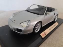 Porsche 911 Turbo Cabriolet Escala 1/18 Maisto