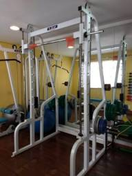 Smith Machine com contra peso Buick
