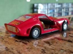 Raro modelo de Ferrari decada de 80
