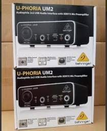 Interface De Audio Usb Behringer U-phoria Um2