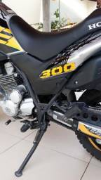 Moto Honda XRE 300 - 2018