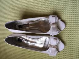 Tamanco lindo branco Mega Shoes