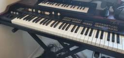 Órgão Clonewheel Tokai TX5 Classic