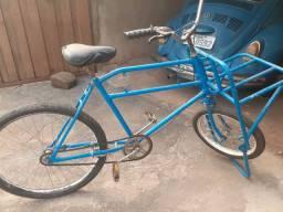 Vendo bike cargueira antiga em perfeito estado