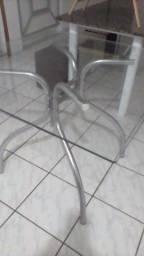 1 Mesa sem cadeiras