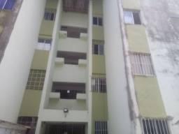 Alugo excelente apartamento próximo da avenida presidente Kenedy