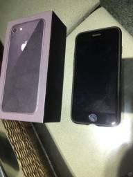 iPhone 8 64gb com caixa e acessórios