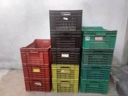 Caixa Plastica Hortifruti Supermercado Feira 60 Litros Usada