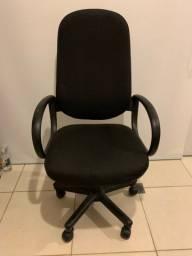 Cadeira Giratória Presidente Tecido Cor Preta