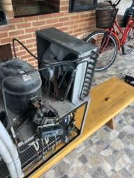 Máquina de gelo 300 kg