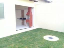 Casa com 3 quartos, 107 m² em loteamento