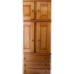 Guarda roupa de madeira solteiro $400