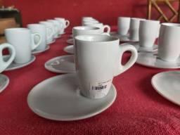 Jogo de Xícaras de Café Genova de Porcelana Branca de 80ml.