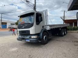 Volvo VM270 truck