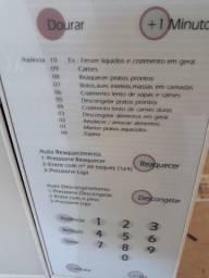 Micro-ondas Brastemp Clean 42 litros com Dourador - necessita de reparo