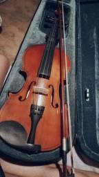 violino não é elétrico