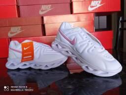 Tênis Nike AirMax Maverick