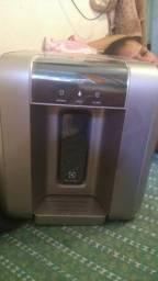 Purificador é gela água Electrolux