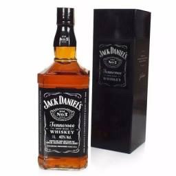 Whisky Jack Daniels com Lata Garrafa 1L